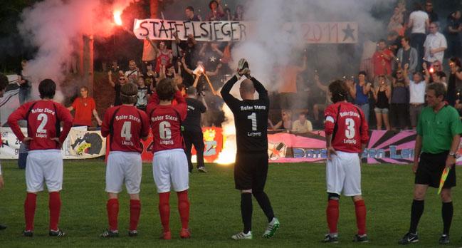 Roter Stern Leipzig Steigt Auf Fussball Von Links